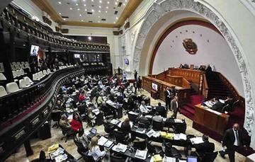 El presidente Maduro le resta facultades de censura al Congreso