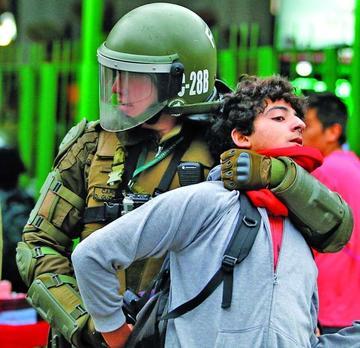 En Chile una marcha termina con agresiones