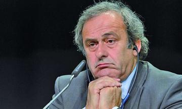Platini sufre revés del TAS y deja de presidir la UEFA