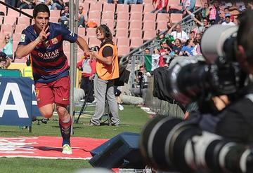 Barcelona se corona campeón de la Liga con una goleada