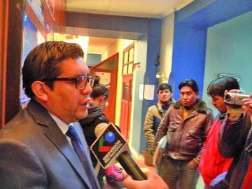 Denuncian que comunarios de Yocalla quisieron quemar casas