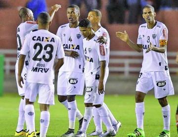 Atlético Mineiro y el Sao Paulo buscan su pase