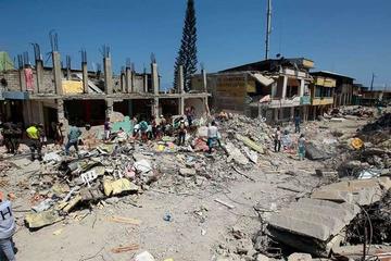 Fuertes sismos sacuden a Ecuador que intenta recuperarse de tragedia