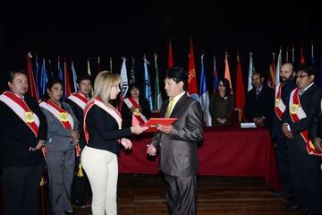 Condecoran a la Mutual de Exjugadores de Fútbol de Potosí por sus Bodas de Oro