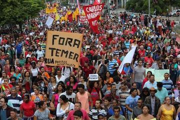 Brasileños se manifiestan contra la suspensión de Dilma Rousseff