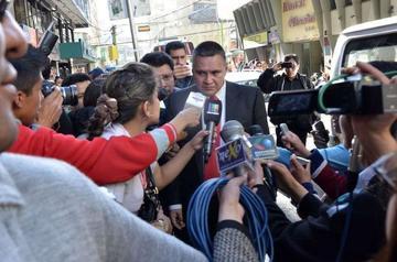 Postergan una vez más audiencia cautelar del jurista Eduardo León