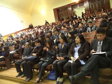 Mujeres logran las calificaciones más altas en la universidad local