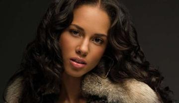 Alicia Keys presenta sus ritmos latinos y tropicales