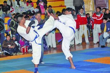 Sesenta karatecas buscan su clasificación al Sudamericano