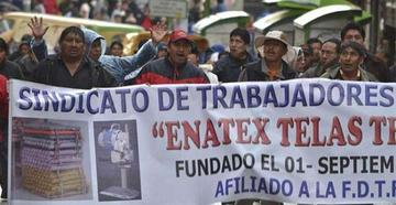 Trabajadores de Enatex piden ayuda al Gobierno de Evo Morales Ayma