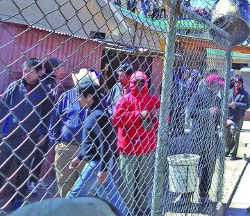 Reclusos de Cantumarca se declaran  en huelga