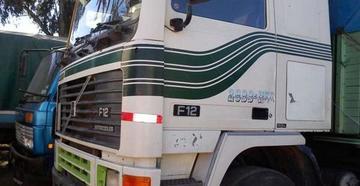 Aduana decomisa dos camiones y detiene a siete contrabandistas