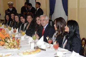 Aconsejan a candidatas a Miss Bolivia llevar con orgullo la representación
