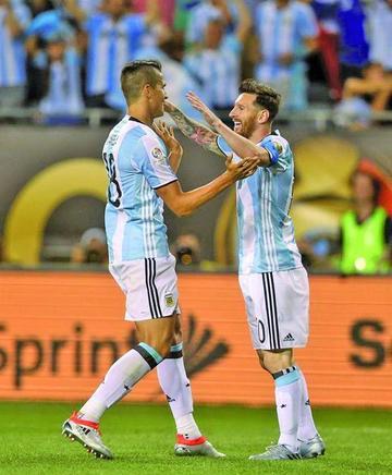 Argentina logra su pase en la Copa