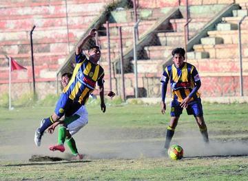 Rosario Central y Universitario se disputan la punta de la AFP
