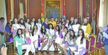 El Miss Bolivia arranca en La Paz con varias visitas y paseos por la ciudad