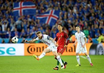 Portugal empata con Islandia