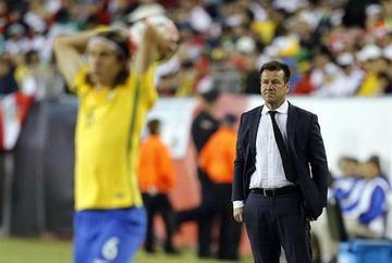 Dunga es destituido de la selección brasileña