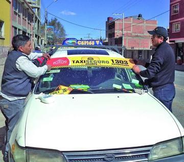 """Anuncian  operativos en la ciudad por """"taxiseguro"""""""