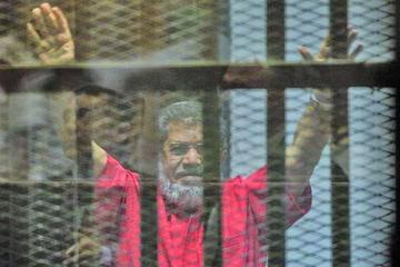 Condenan de nuevo a cadena perpetua a Mursi en Egipto