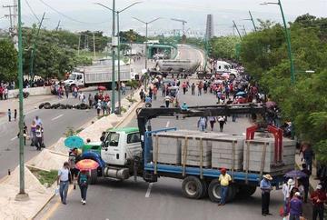 Abren investigación en México sobre la muerte de seis profesores
