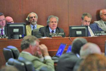 Zapatero pide a OEA  otorgar oportunidad al diálogo en Venezuela