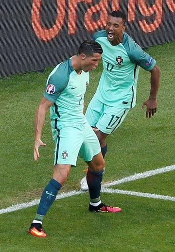 Portugal logra un agónico pase