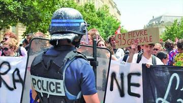 Marchan en Francia contra la reforma laboral