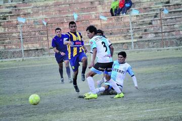 Interfi vence al líder del torneo local de fútbol