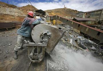 Apoyan a mineros para mejorar los ingresos departamentales