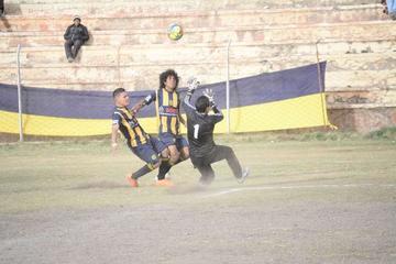 Rosario Central golea y se aproxima al título de la AFP