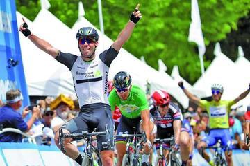 Cavendish gana la tercera etapa en Francia