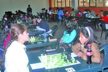 Potosinos participarán en las Olimpiadas Nacionales de Ajedrez en Tarija