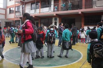 Junta de padres planifica la atención integral de alumnos