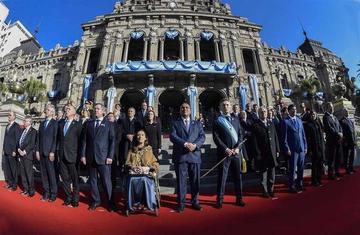 Argentina celebra bicentenario con llamado a unidad nacional