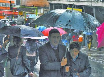 Se registrará exceso de lluvia en cuatro regiones