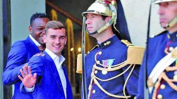 Antoine Griezmann es nombrado mejor jugador de la Eurocopa 2016
