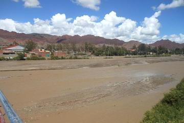 Joven de 22 años es encontrado degollado en el río de Tupiza