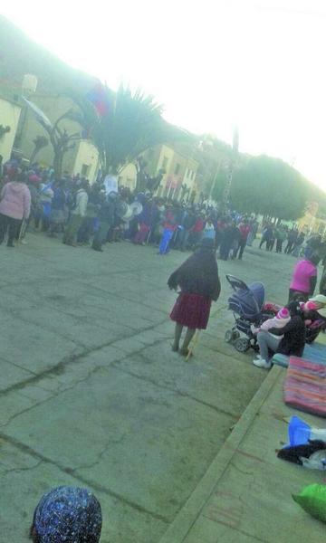 Inician bloqueo en Cotagaita por el reconocimiento a un alcalde