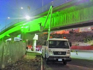 Puente de la Dignidad Potosinista luce distinto aspecto con pintado