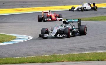 Rosberg lidera entrenamientos en Alemania