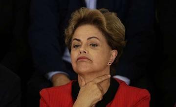 Avanza el proceso para destituir a Rousseff por  caso Petrobras en Brasil