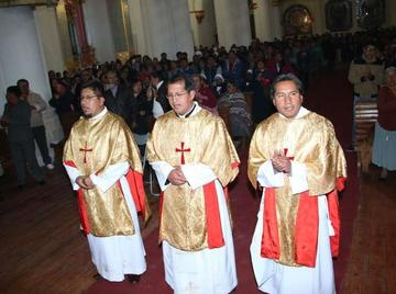 La Iglesia recibe otros sacerdotes