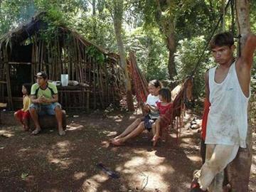 La fuerte sequía provoca en el desplazamiento de indígenas guaraníes