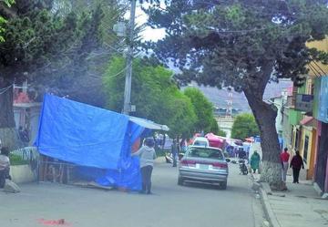 Los choferes protestan por asentamiento de vendedores