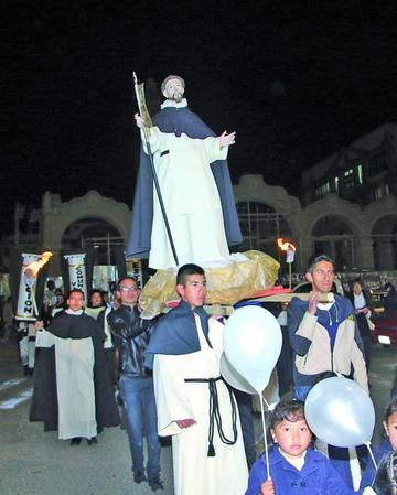 Celebran con  procesión el jubileo dominicano
