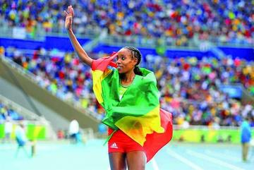 Etíope Ayana logra récord mundial en atletismo