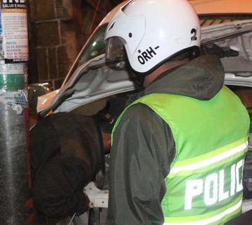 Exfuncionario de la Policía española  voltea conos