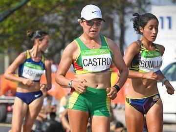 Ángela Castro llega entre las mejores 18 en marcha