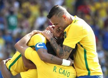 Brasil y Alemania van por el oro en fútbol